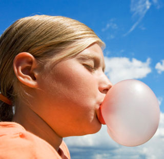 Spit or Swallow - does chewing gum stay in your digestive track for seven years? no