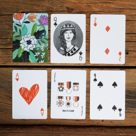 Un jeux de carte qui donne envie de taper le tarot...