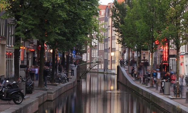 An artist's rendering of how the bridge would be 3D printed in Amsterdam  Images: Joris Laarman/MX3D