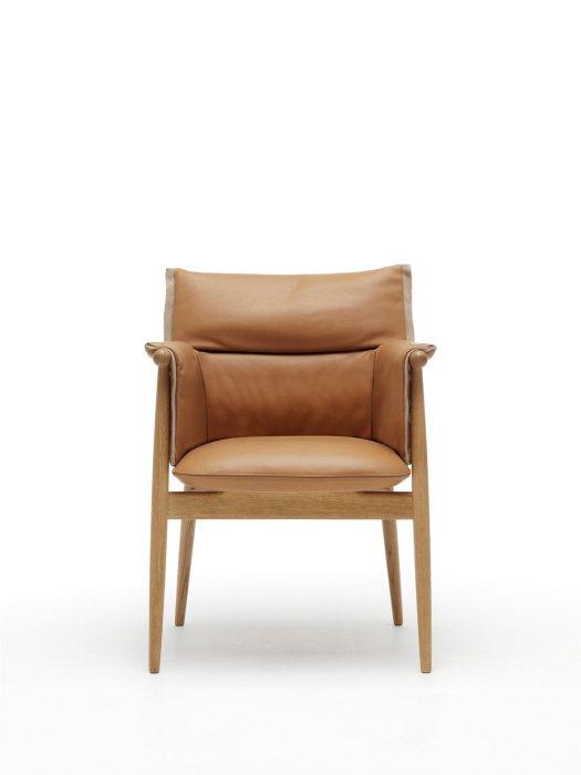EOOS-Carl-Hansen-Embrace-Chair-8