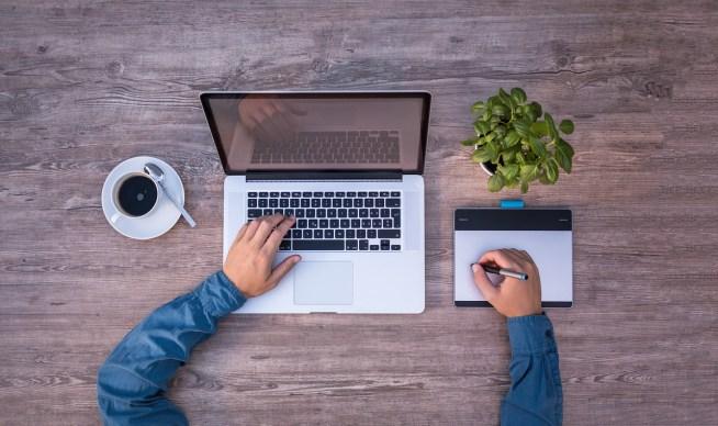 転職したいならWebデザイナーになろう!仕事の魅力とプロになるまでのステップ