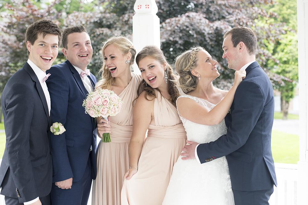 krist.in design bryllupsfoto bryllup brud fotograf rogaland karmøy vea åkrasand bryllupsbilder strand paviljongen kopervik
