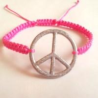 Makrame armband med Peace-märke + Knyt med flera olika färger