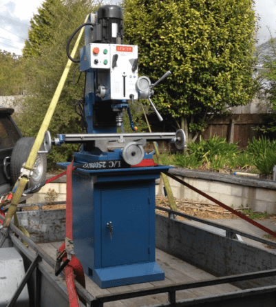 DM-45 Manual milling machine arriving at home