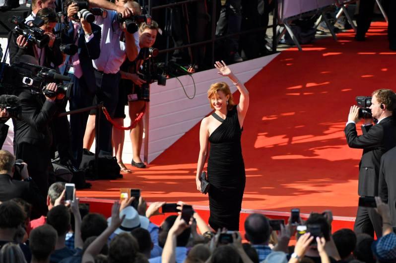 jak se oblékly celebrtiy na filmový festival v karlových varech 2018 (1)