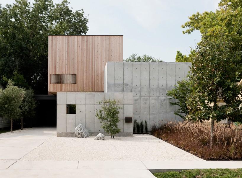 Christopher Robertson Overlaps Concrete + Timber Volumes