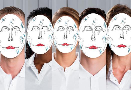 maschere-di-carnevale-tradizionali-reinterpretate-studenti-ied-venezia-arlecchino-1_reference