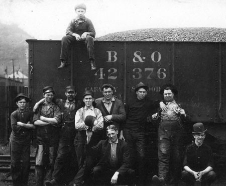 A B&O crew somewhere in the Wheeling, WV area.