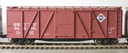 Accurail 6-panel single sheathed box car
