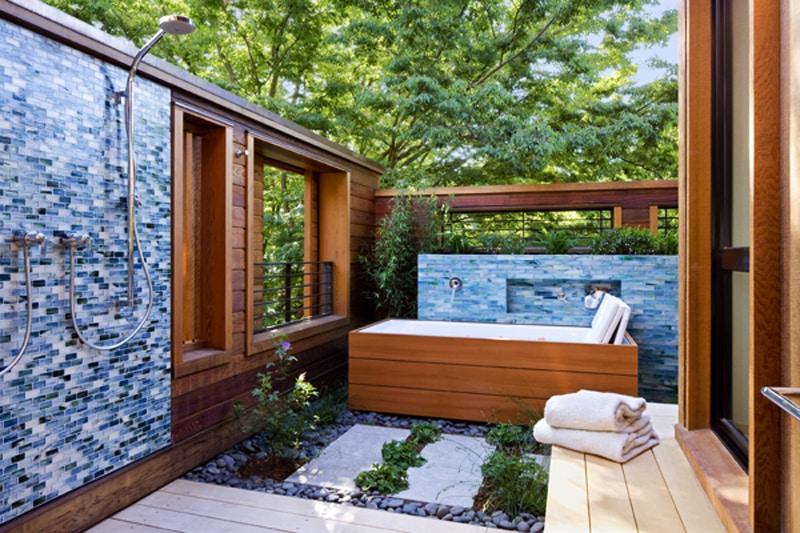 55+ Beautiful Outdoor Bathroom Ideas -DesignBump on Backyard Bathroom Ideas  id=29584
