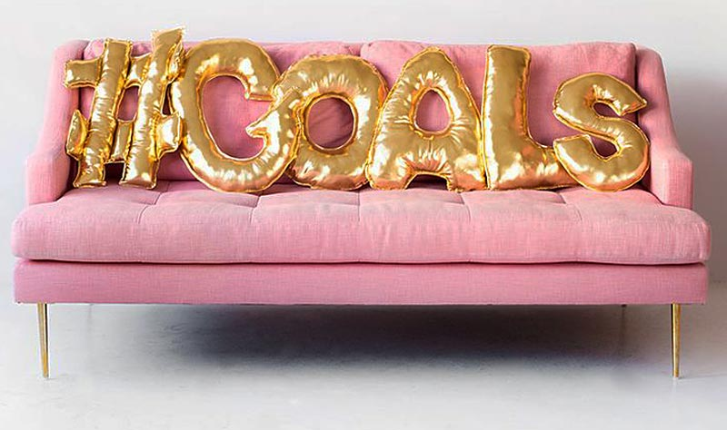 sofa balloons - 20 GENIUS DIY TYPOGRAPHY FOR ART AND DESIGN PROJECTS
