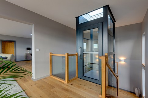 RS13573_Stannah-lift-WH