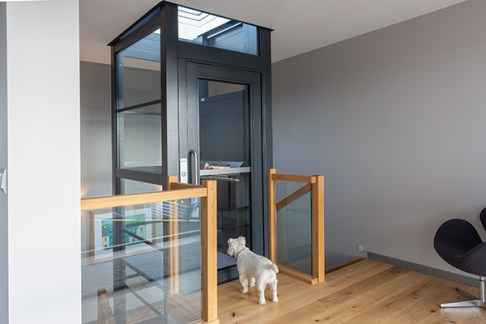 RS13574_Stannah-lift-WH