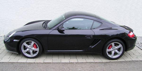 Porsche_Cayman_(Black)_-_Side