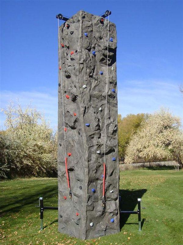 Mobile climbing walls