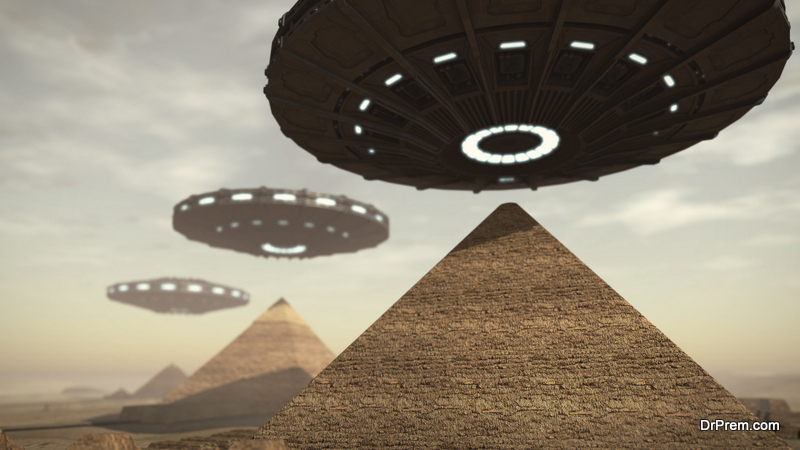 Aliens-and-Pyramids