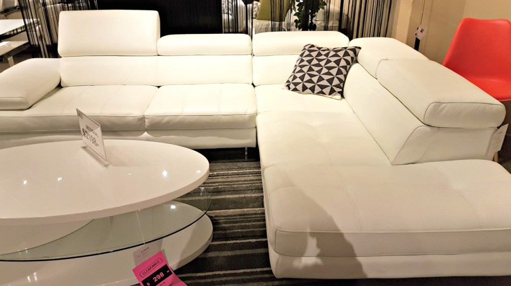 scan design| white leather sofa|modern sofa| chaise sofa|