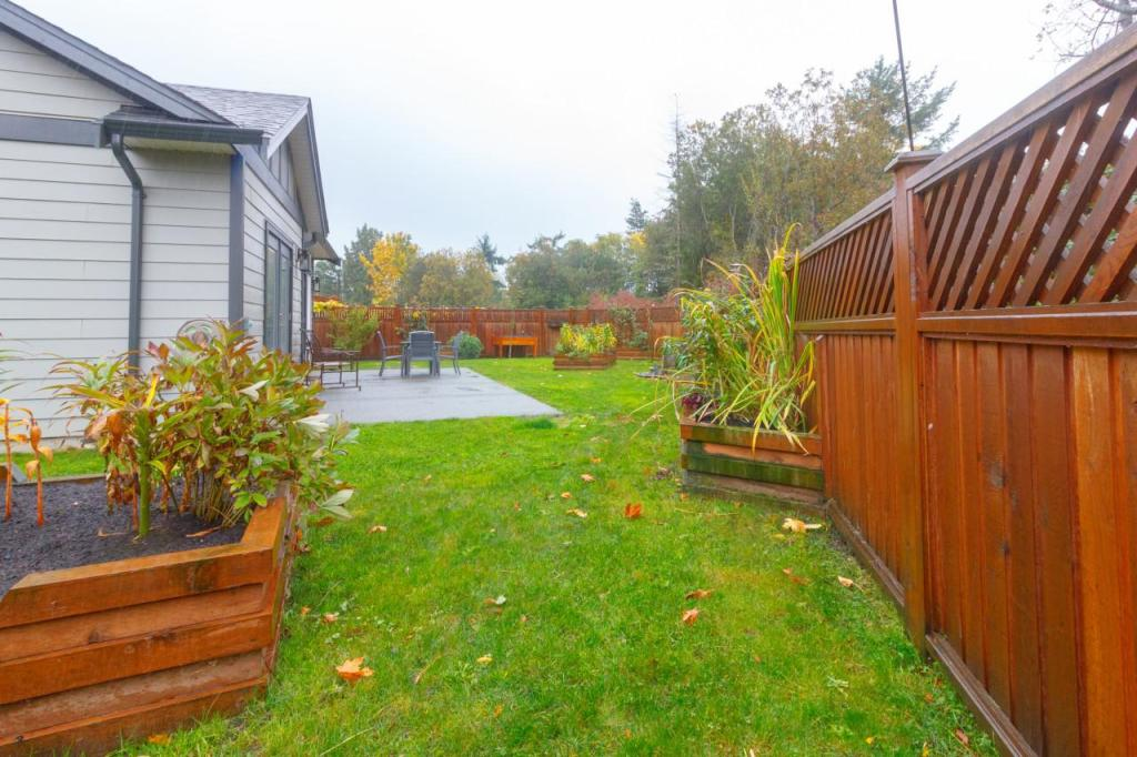 New home|Back yard|planter boxes|Brackman Way