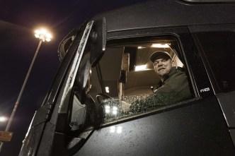 Volvo_Trucks_vs_750_Tonnes_4_lowres
