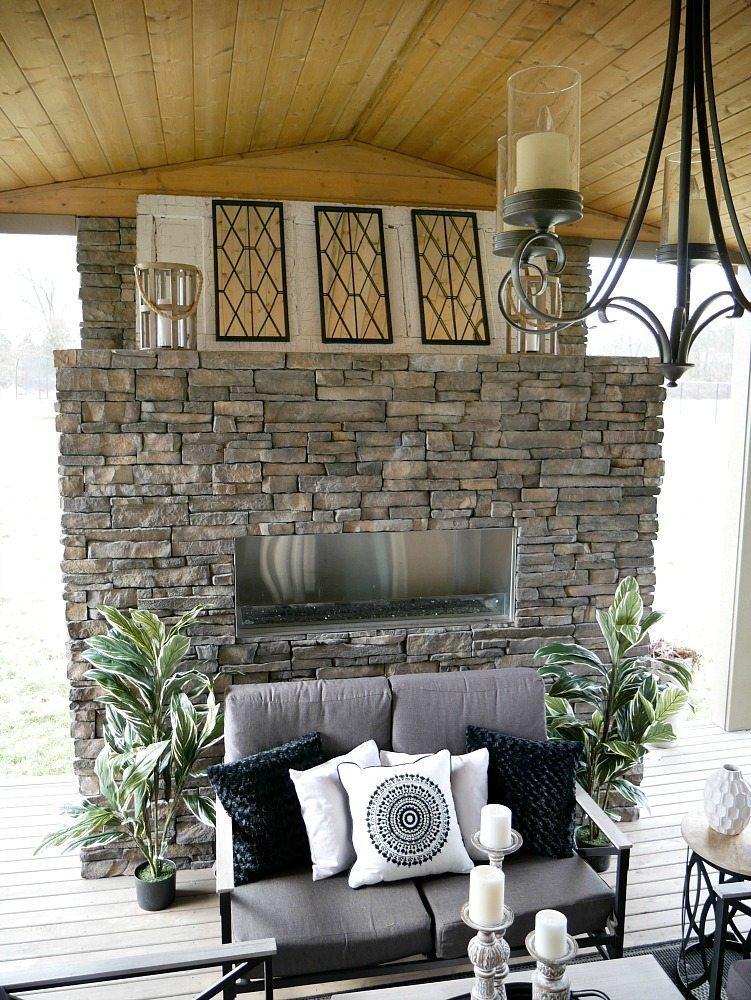 Black and White Outdoor Decor - Taryn Whiteaker on Black And White Backyard Decor  id=35402