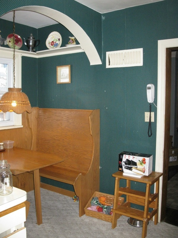 Outdated small kitchen gets a total makeover