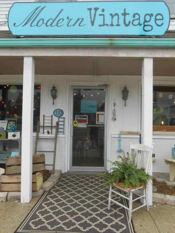 Modern Vintage store front