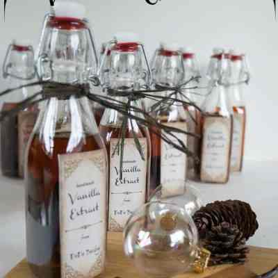 Easy Homemade Vanilla Extract!