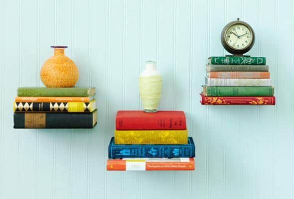 diy-floating-bookshelves-P&Geveryday http://clvr.li/PGeveryday