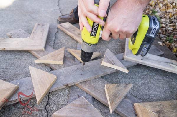 Pallet Snowflakes-DIY