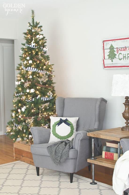 Christmas-tree-with-jingle-bell-garland