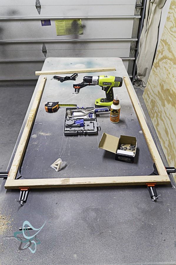 Building the frame for an art canvas