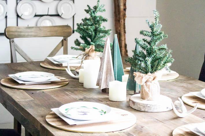 A Very Farmhouse Christmas Home Tour - Rustic Dining Tablescape | designedsimple.com