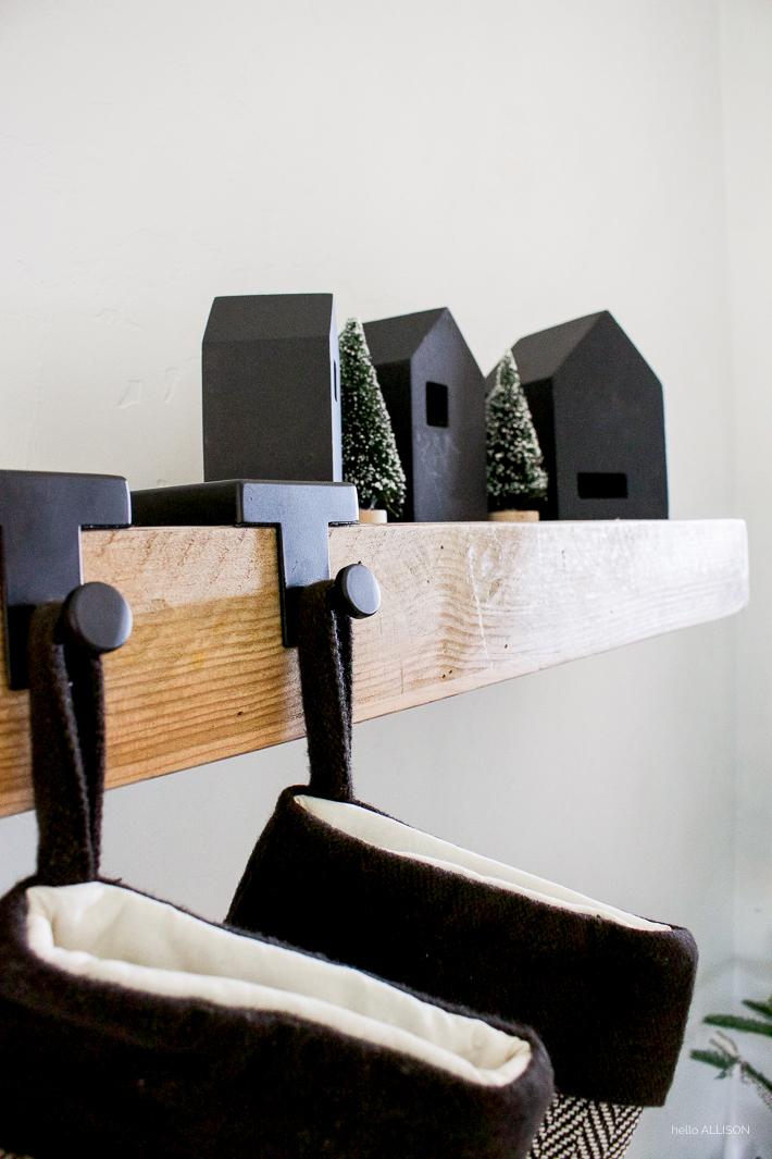 A Very Simple Christmas | Black and White Christmas Decor | designedsimple.com