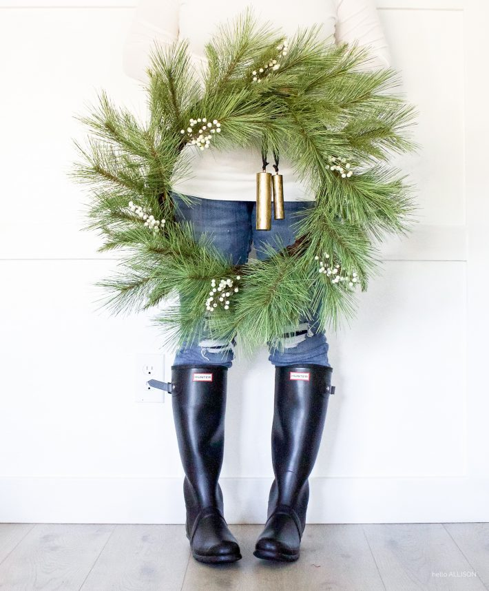 Modern Farmhouse Christmas Wreaths | designedsimple.com