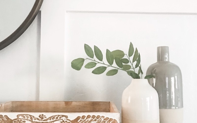 Simple & Fresh Entryway Design | designedsimple.com