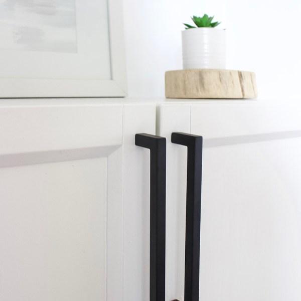 Black Cabinet Hardware | Knobs & Pulls | Designed Simple | designedsimple.com