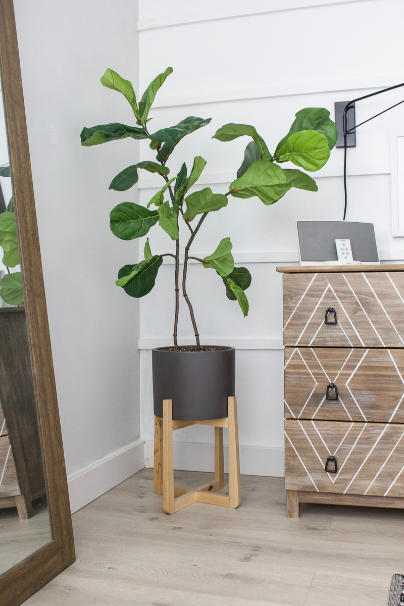 DIY Faux Fiddle Leaf Plant | Save money and create your own fiddle leaf plant! | Designed Simple | designedsimple.com
