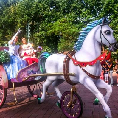 Paradă la Disneyland
