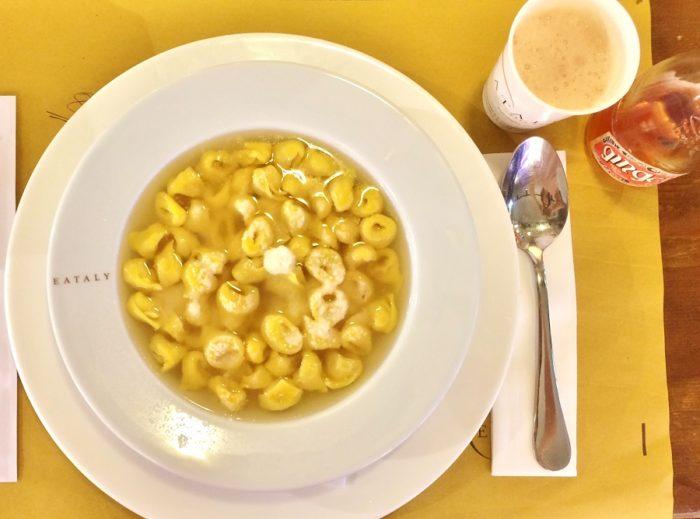 Tortellini al brodo la Eataly - Bologna
