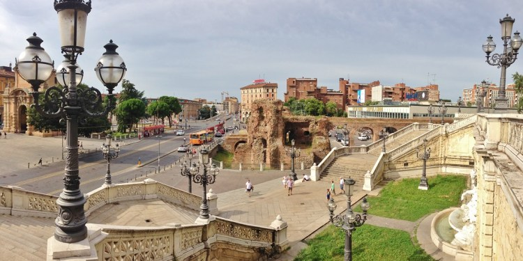 10 feţe ale fascinantei Bologna