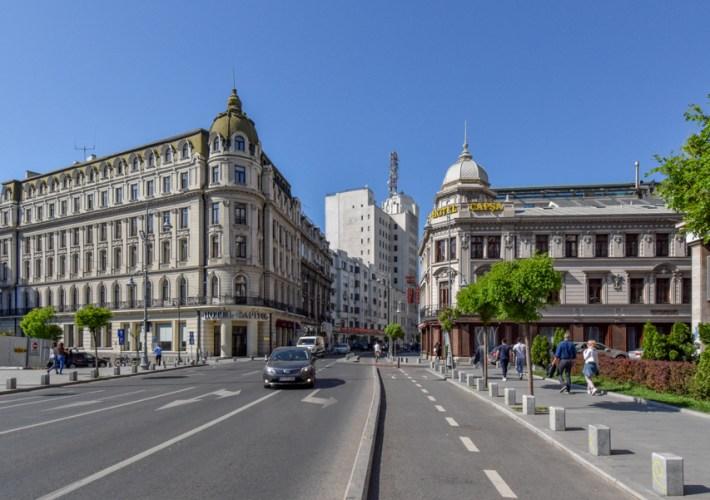 La pas pe Calea Victoriei - obiective în București - Hotel Capitol și Casa Capșa