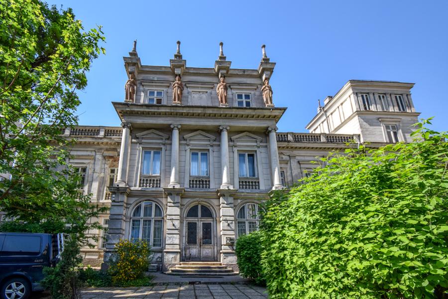 La pas pe Calea Victoriei - obiective în București - Palatul Știrbei