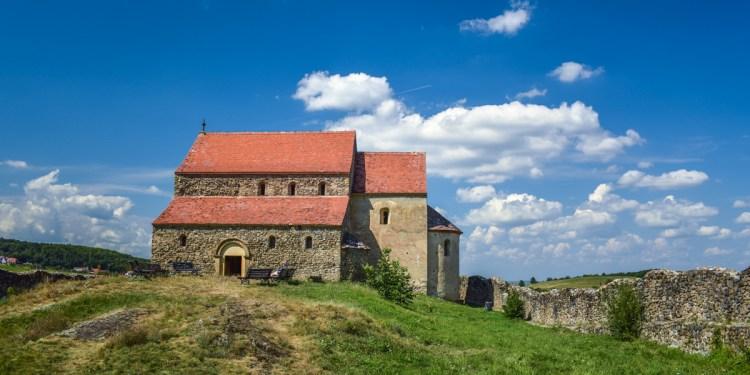 Top 5 biserici fortificate pe care să le vizitezi din Sibiu