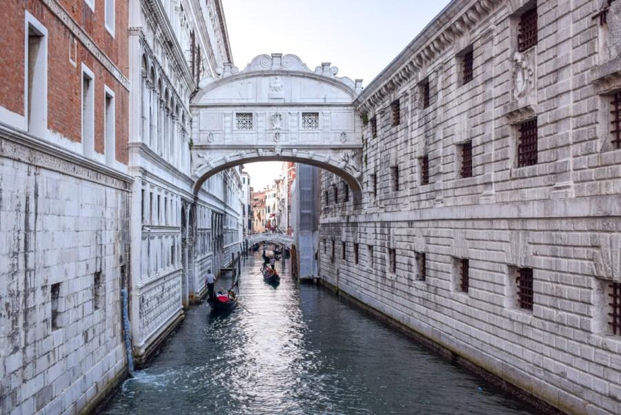 Veneția: ghid complet de călătorie - Ponte dei Sospiri