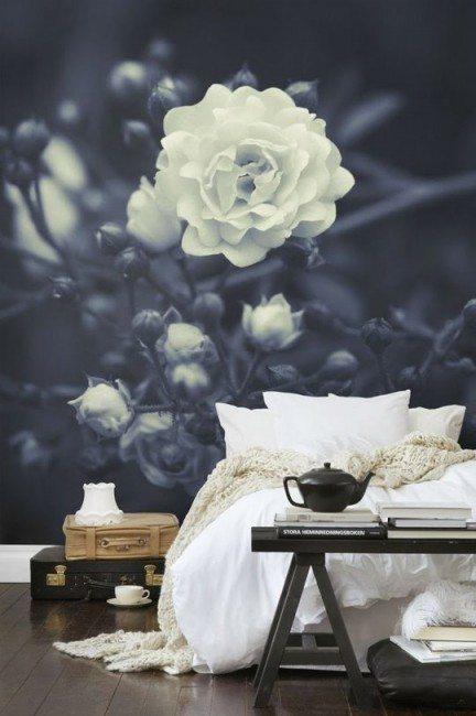 Interior Design Trends for 2016 Gardenia Wallpaper creates an element of nature.