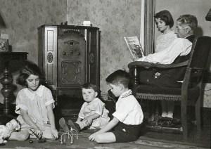 Radio_family-300x212.jpg