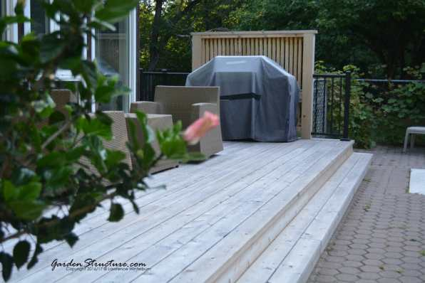 Nothing is as classic as a red cedar deck done right