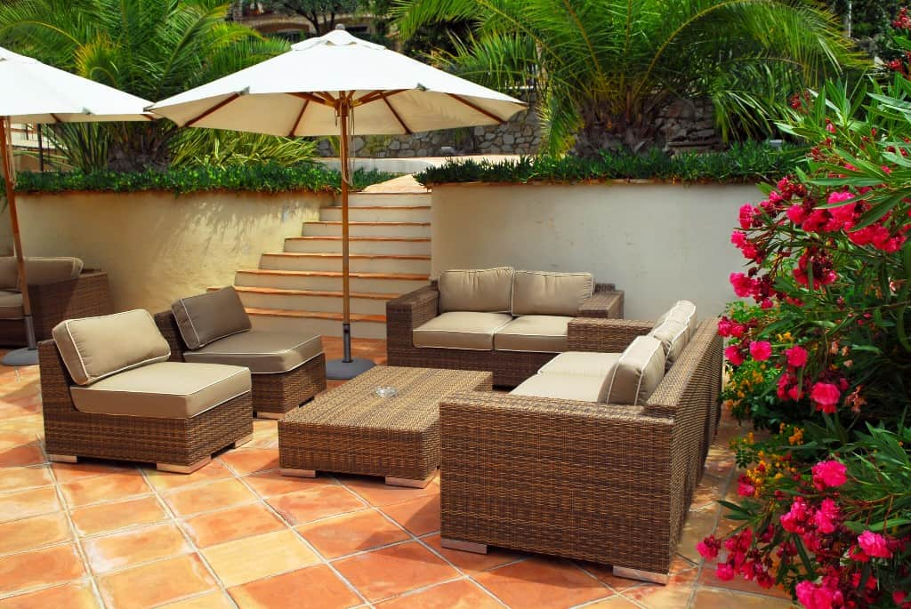 Wicker Furniture A Classy Outdoor Furniture Choice ... on Backyard Patio Layout id=85173