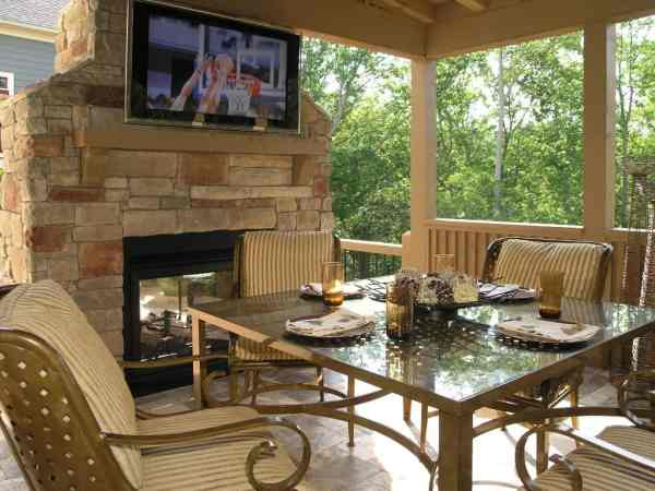 outdoor patio deck Tips To Up Your Home Value With An Outdoor Patio Deck Area