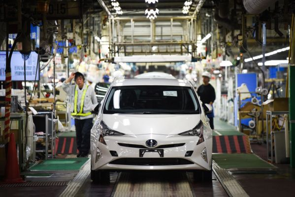 [TECH NEWS] Toyota is giving automakers free access to nearly 24,000 hybrid car-related patents